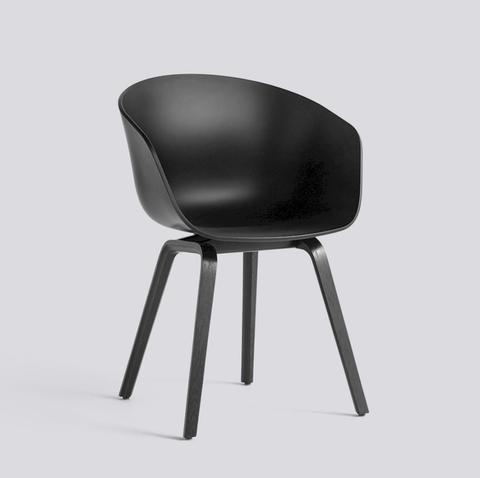 Bilde av AAC 22 Black / Black stol HAY